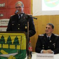 Präsident_LFV-N_mit_Ortsbrandmeister_1-1